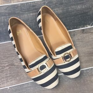Victoria's Secret Striped Slip on Shoes Flats Sz 8
